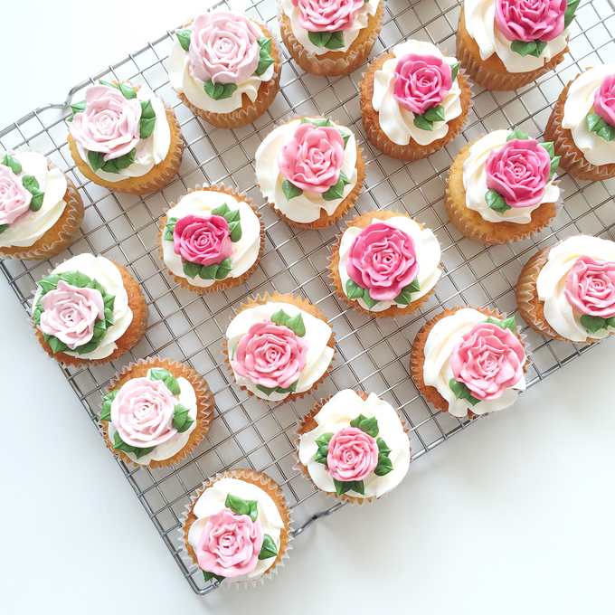 Floral cupcakes by The Rosette Co - 016