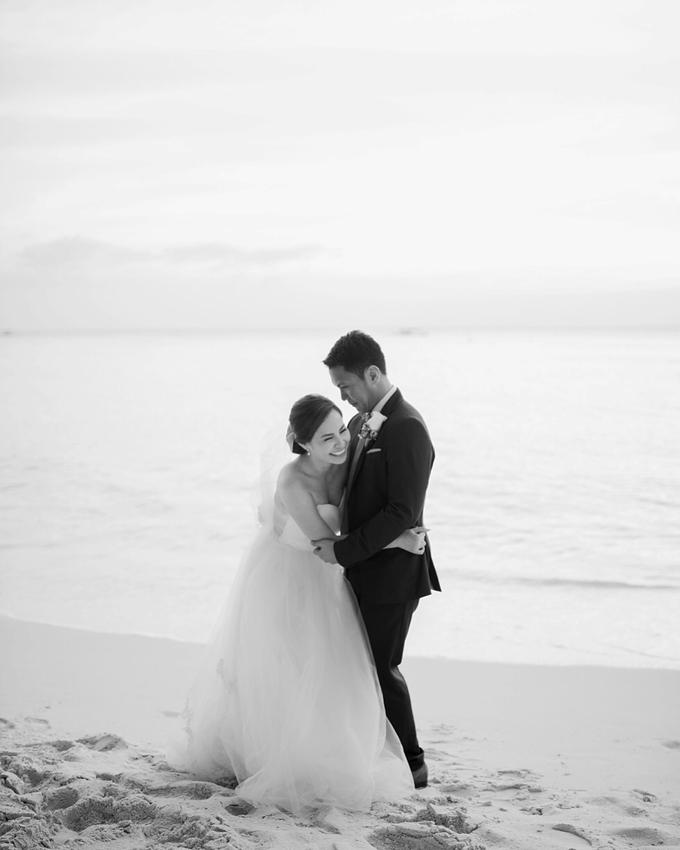 SIMPLE WEDDING DRESS TAIL BISA DI LEPAS by TS BRIDAL BALI - 018