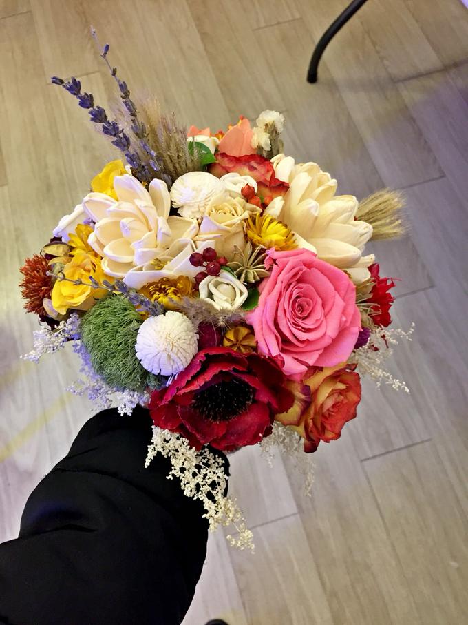 Dried & Preserved Flowers Arrangement by Flower Studio Indonesia ...