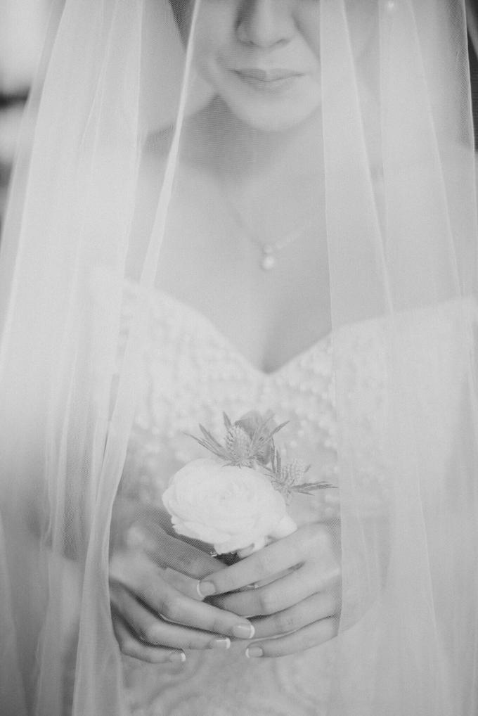 Hendri & Sella Wedding by It's True Wedding Planner and Decoration - 006