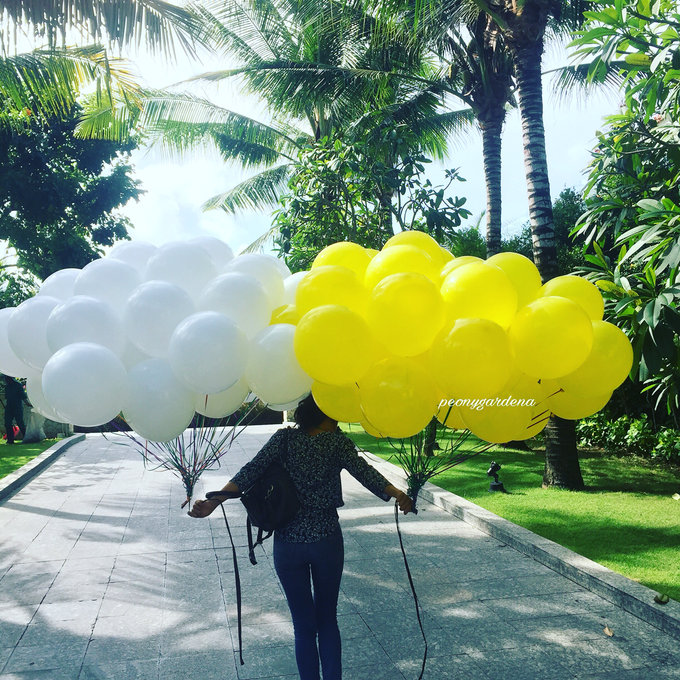 helium balloons by Peony Garden Bali - 004