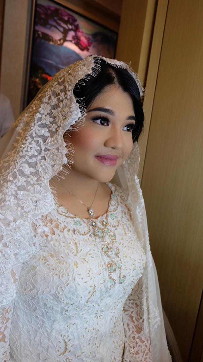 Wedding make up for Tara Rawindra (Javanese Paes& Padang) and Kathya Paramitha (National) by Yoga Septa Make Up Artist - 018
