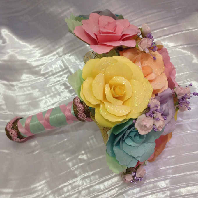 Pastel Handcrafted Entourage Bouquets by Duane's Fleur Creatif - 007