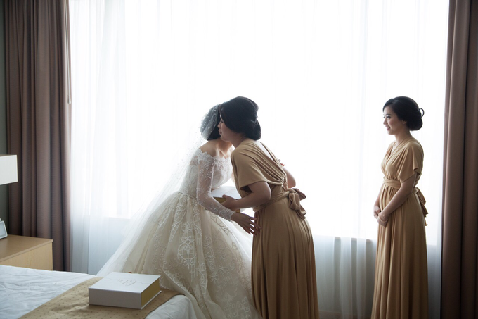 JASON & STEFANI • Glam Champagne by MALVA Bridesmaids - 007