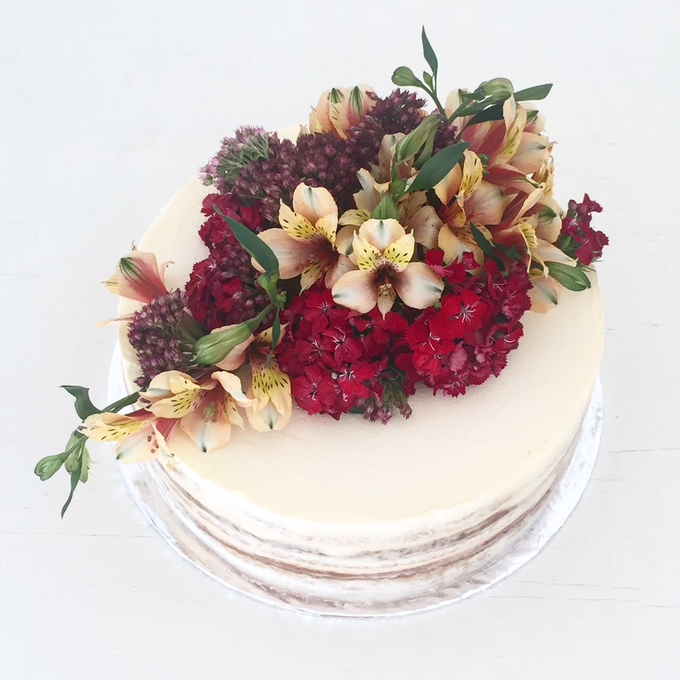 Flowers on Cake by Angie Fior - 005
