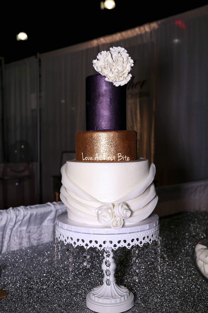 Wedding cakes by Love At First Bite - 002