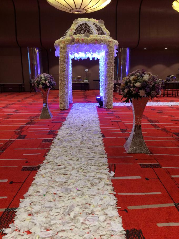 Wedding at City Grand Ballroom Hotel Grand Mercure Jakarta Harmoni by GRAND MERCURE Jakarta Harmoni - 008