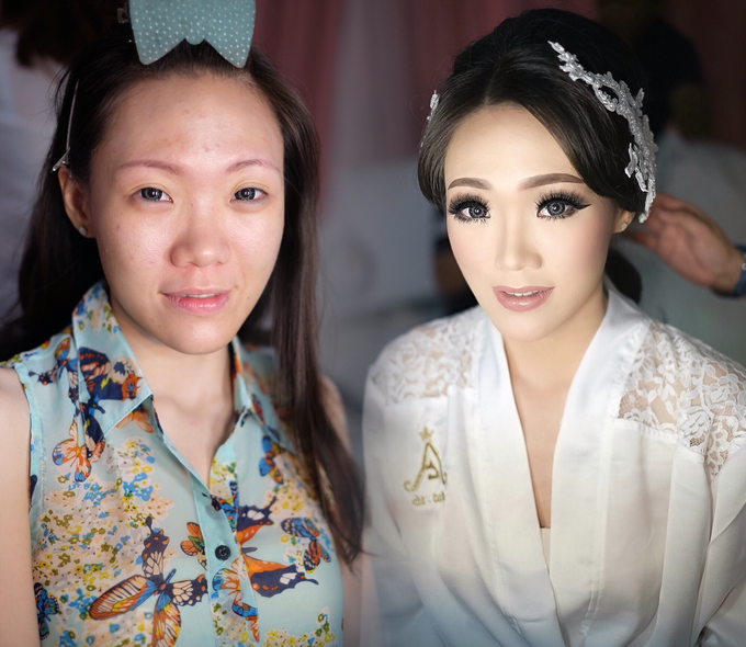 Wedding makeup for Ms Monica - Semarang by Imel Vilentcia Make Up Artist - 001