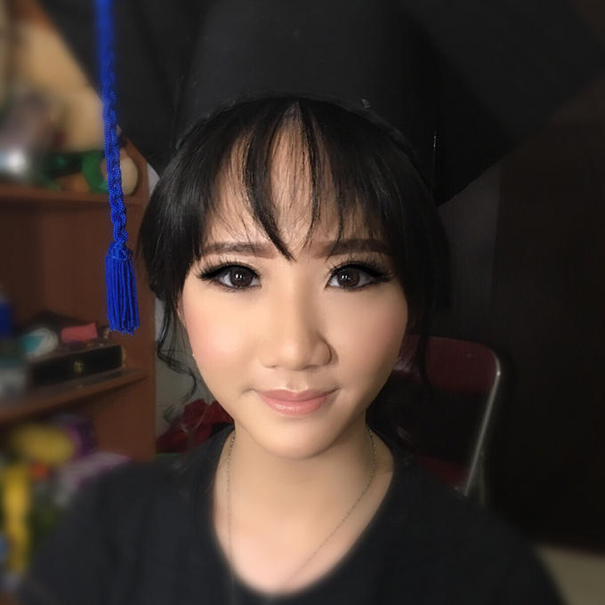Graduation by AyuAbriyantimakeupartist - 014