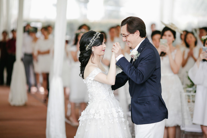 Vintage Wedding : Yura & Vanessa Espousal by Elsie Chrysila Brides - 011