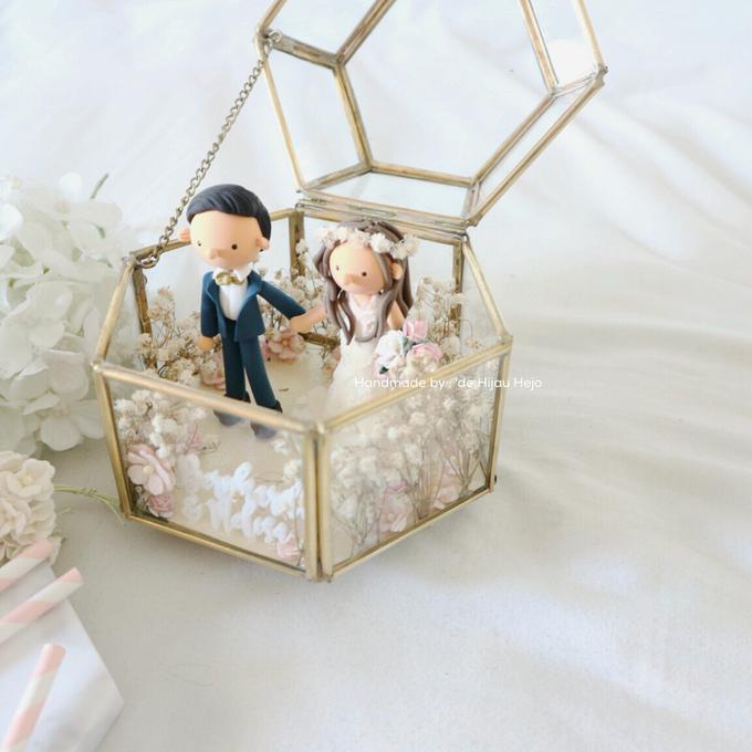 Hexagon glass box ring pillow  by de hijau hejo - 015