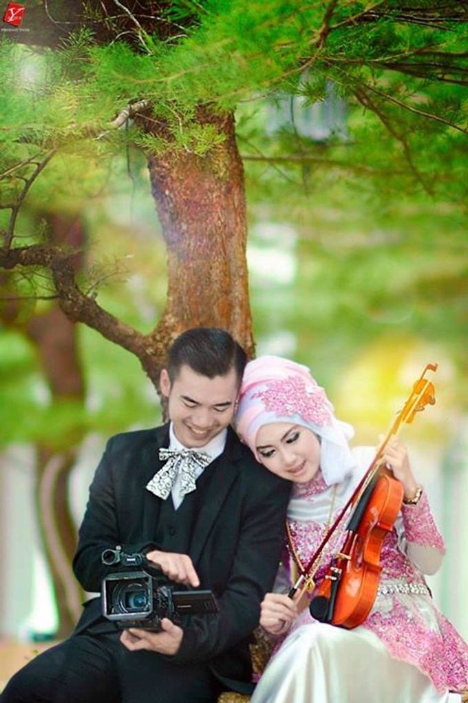 Couple by AYURA PHOTODUCTION - 001