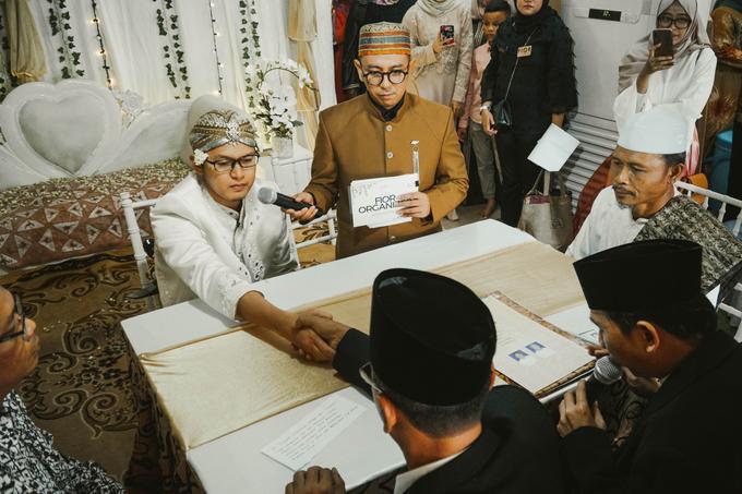 Ocha & Risman Akad Nikah (Javanese Tradition) by FIOR - 002