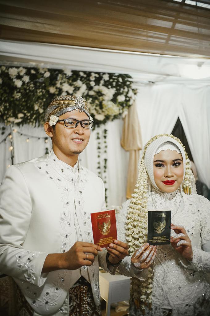 Ocha & Risman Akad Nikah (Javanese Tradition) by FIOR - 003