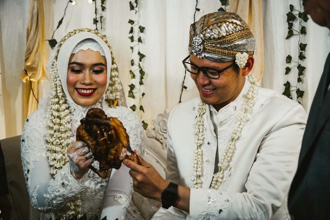 Ocha & Risman Akad Nikah (Javanese Tradition) by FIOR - 007