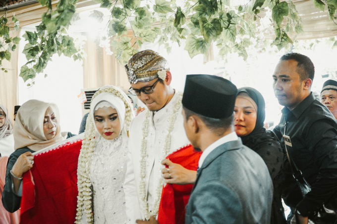 Ocha & Risman Akad Nikah (Javanese Tradition) by FIOR - 009