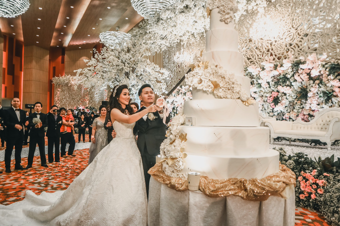Wedding Vicky and Venita by Richard Costume Design - 001