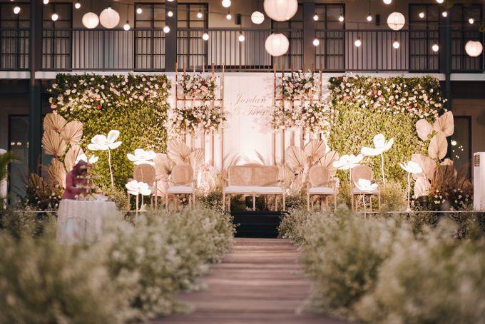 The Wedding of Fira & Jordan by Elior Design - 005