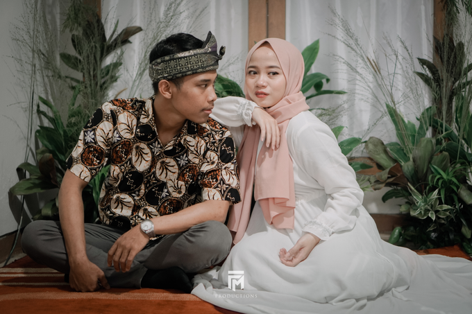 Engagement Dwi & Nurul by firstmomentproductions - 006