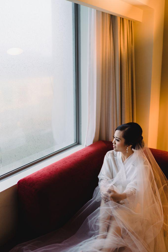 Sabar & Tiara Wedding Day by Nike Makeup & Hairdo - 018