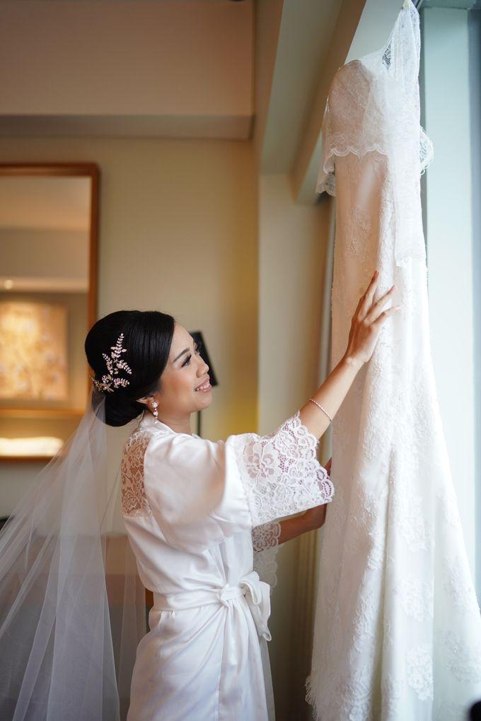 Sabar & Tiara Wedding Day by Nike Makeup & Hairdo - 002
