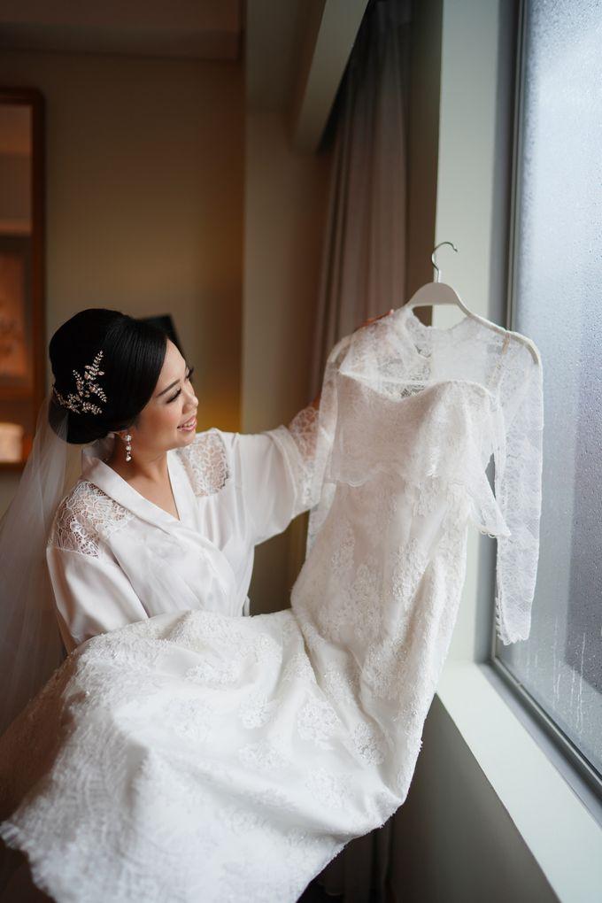 Sabar & Tiara Wedding Day by Nike Makeup & Hairdo - 004