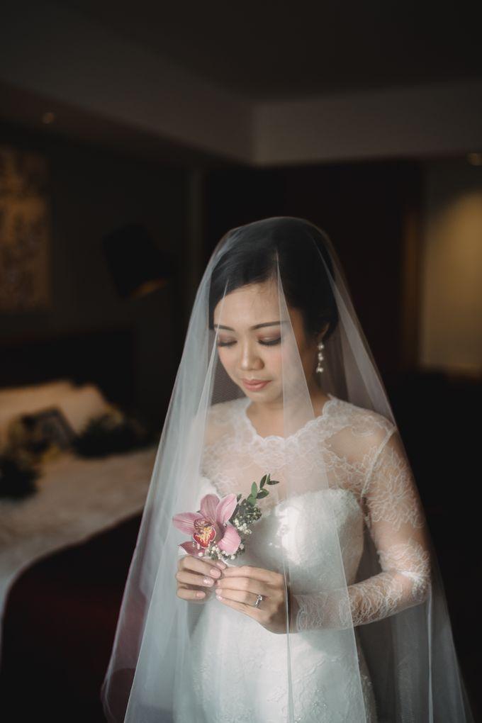 Sabar & Tiara Wedding Day by Nike Makeup & Hairdo - 005
