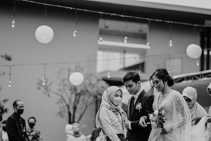 Fita & Gentha Wedding at On Green Raffles Hills by AKSA Creative - 039