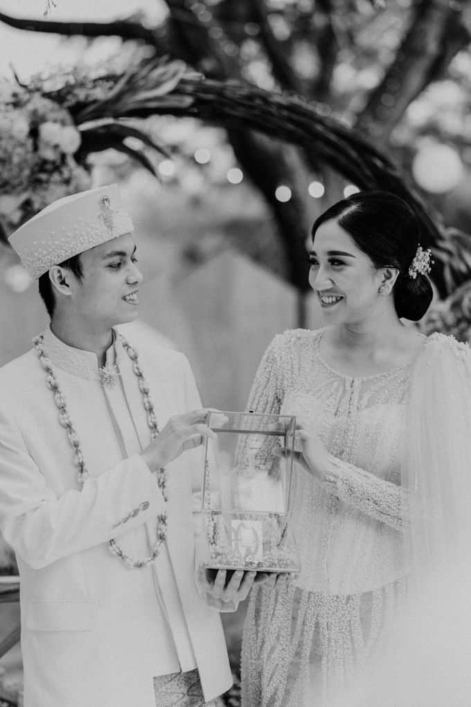 Fita & Gentha Wedding at On Green Raffles Hills by AKSA Creative - 011