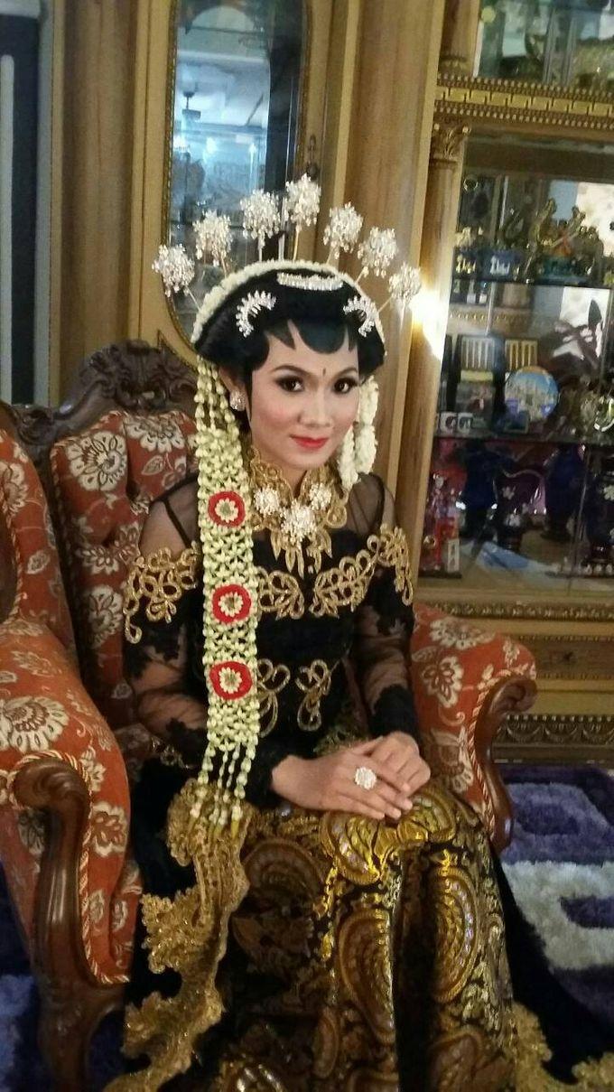 A Dream Come True Wedding by Sanggar Rias Pengantin Shanti Chaidir - 013