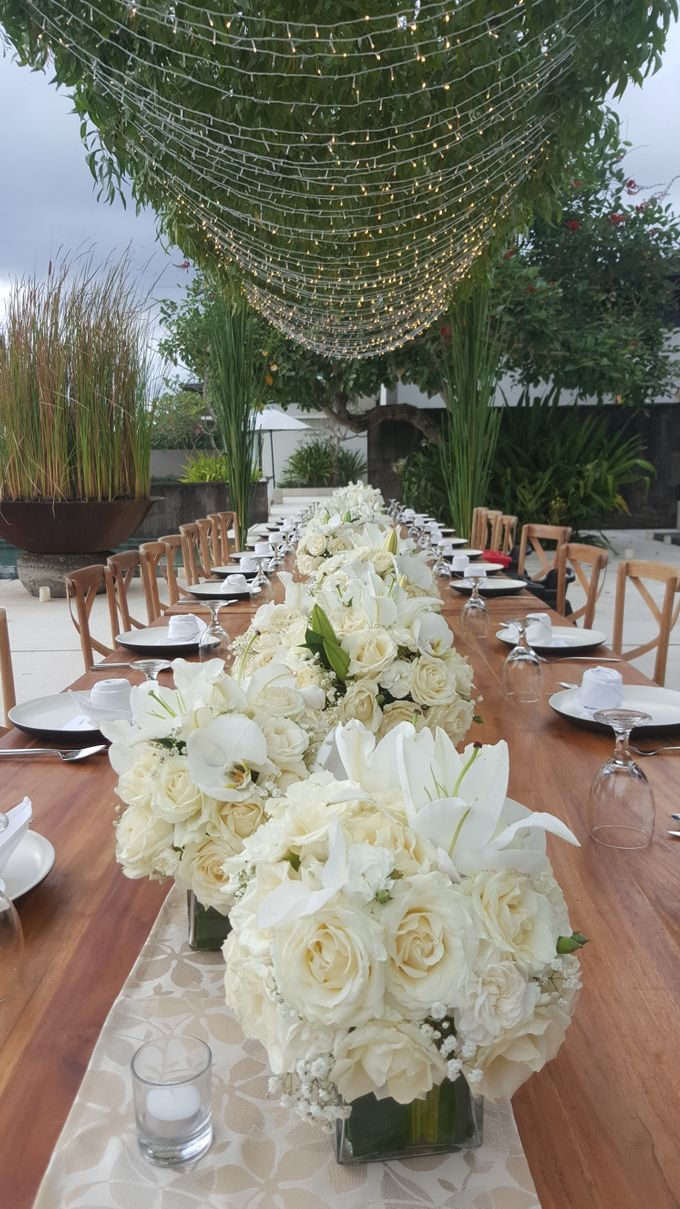 Simply White by d'Oasis Florist & Decoration - 011