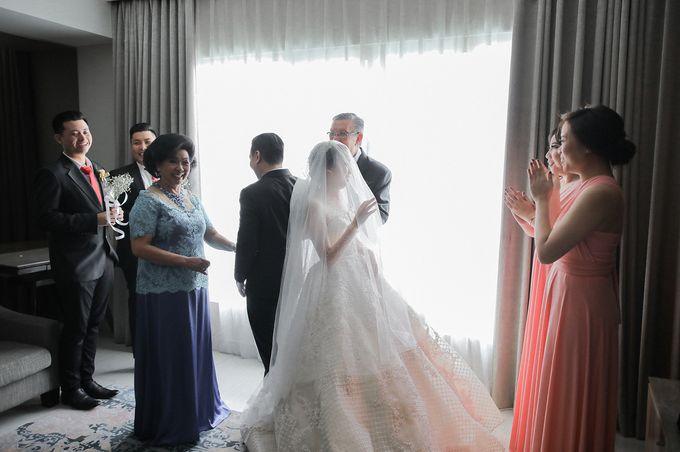 Alitroy And Stefani Wedding Day by Tinara Brides - 008