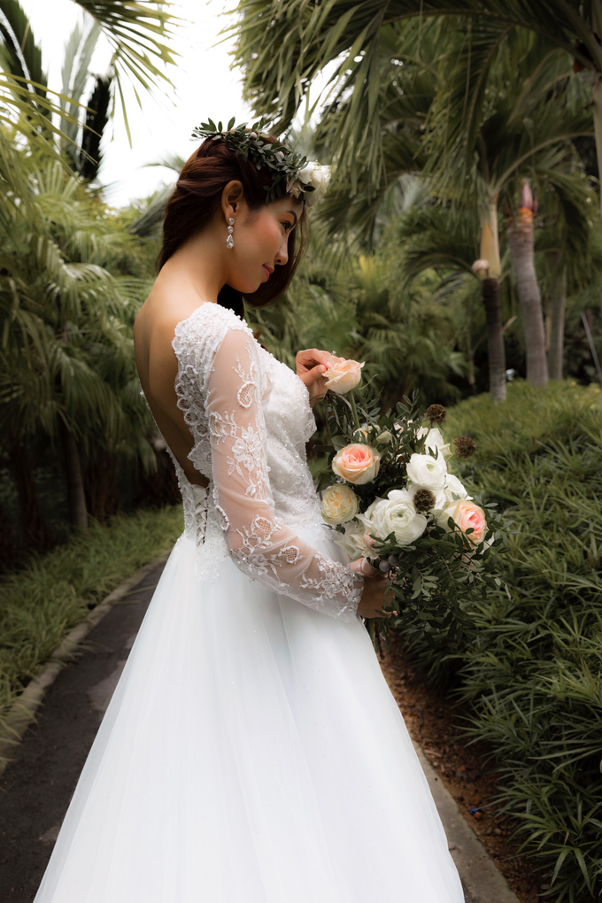 Styled shoot with YSM photography  by Florals Actually - 003