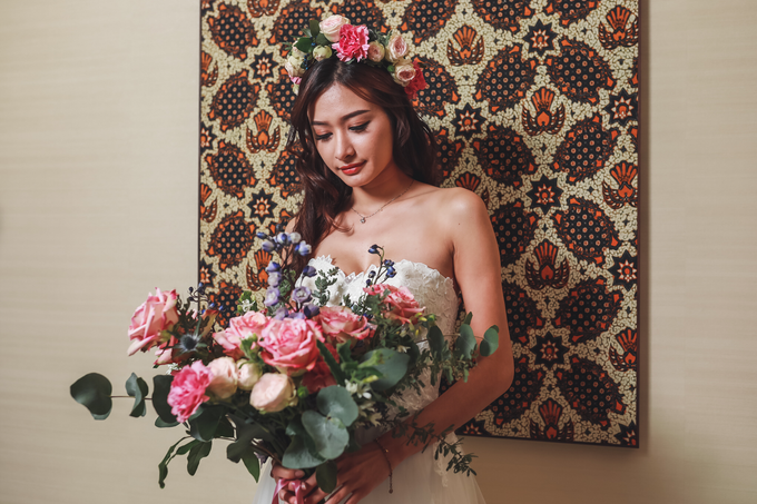Boutique photoshoot with Vivian Gown by Florals Actually ...