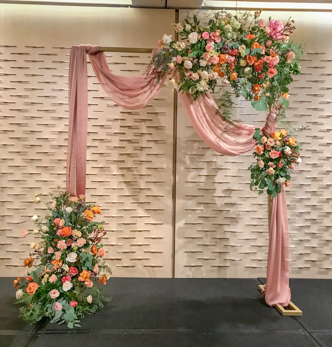 Coral and Peach for Bride J by Florals Actually - 001
