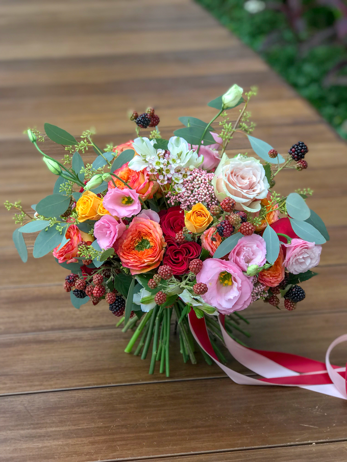 Orange, coral, pink, and red ❤️ by Florals Actually - 003