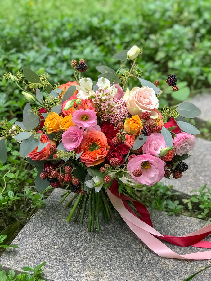 Orange, coral, pink, and red ❤️ by Florals Actually - 002