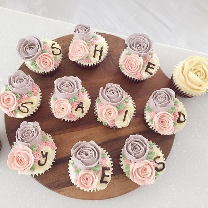 Floral cupcakes by The Rosette Co - 007