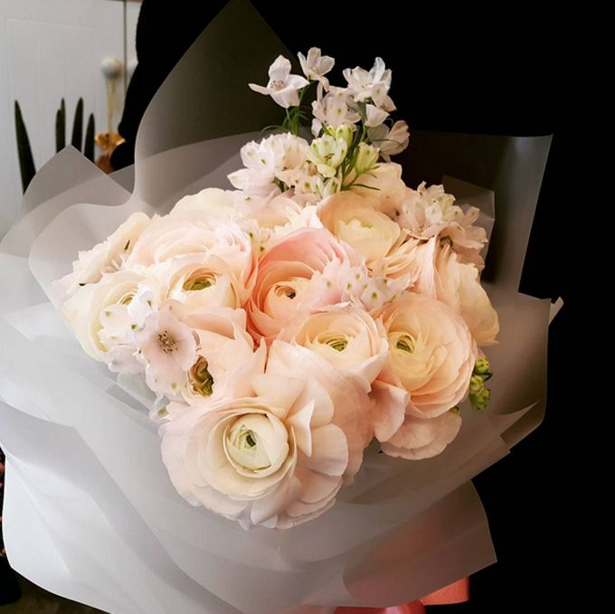 Fresh Flower Bouquet by La Belle Vie flower - 012