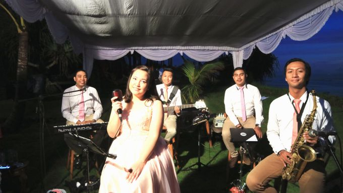 Dian & Ramond Wedding Reception by Middle-Hi Band - 005
