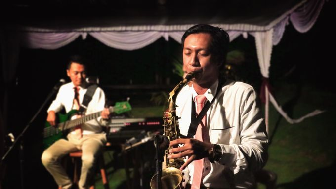 Dian & Ramond Wedding Reception by Middle-Hi Band - 004