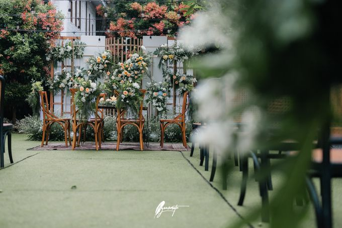 The Wedding of Astri & Edp di Cafe Manglayang by Decor Everywhere - 007