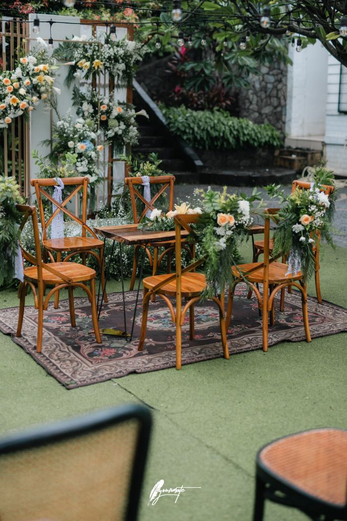 The Wedding of Astri & Edp di Cafe Manglayang by Decor Everywhere - 003