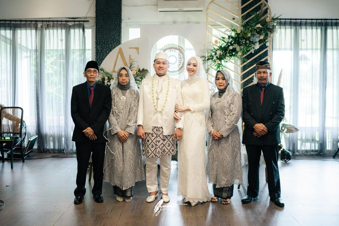 The Wedding of Astri & Edp di Cafe Manglayang by Decor Everywhere - 009