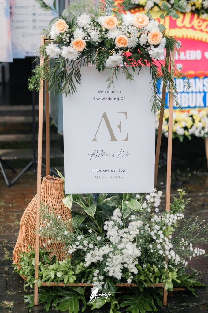 The Wedding of Astri & Edp di Cafe Manglayang by Decor Everywhere - 004