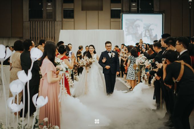 Wedding Day by Daniel H - Sansan & Livia by Miracle Photography - 006