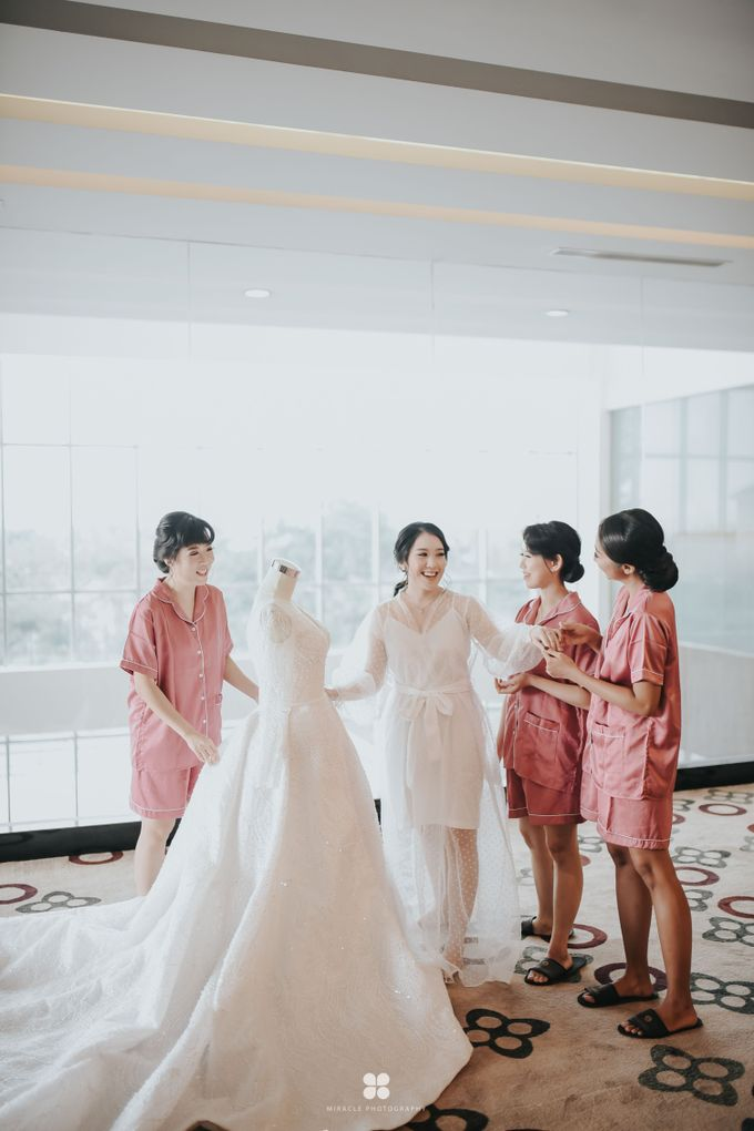 Wedding Day by Daniel H - Sansan & Livia by Miracle Photography - 017