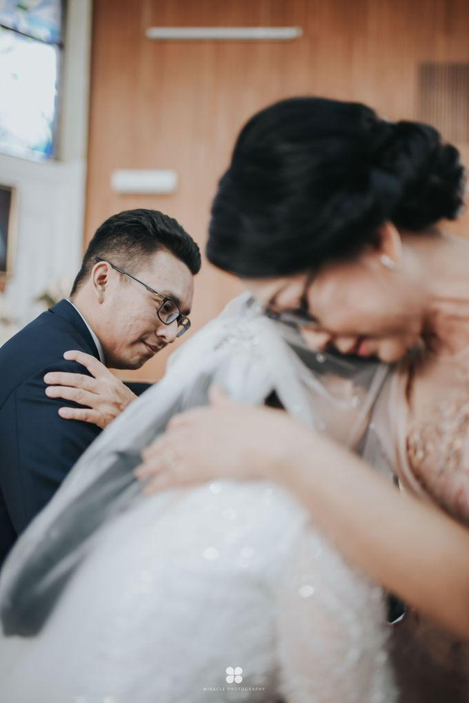 Wedding Day by Daniel H - Sansan & Livia by Miracle Photography - 040