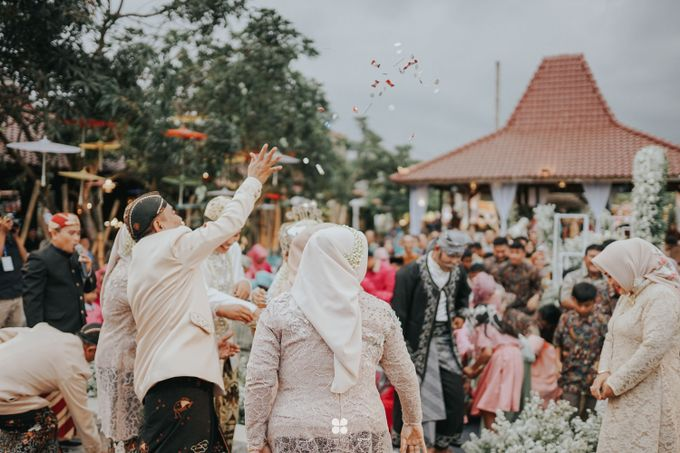 Wedding Day by Imam - Putri & Abid by Miracle Photography - 041