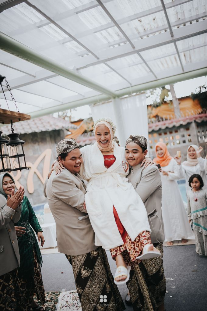 Wedding Day by Imam - Putri & Abid by Miracle Photography - 005